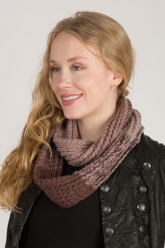<strong>Gradients Cowl</strong>
